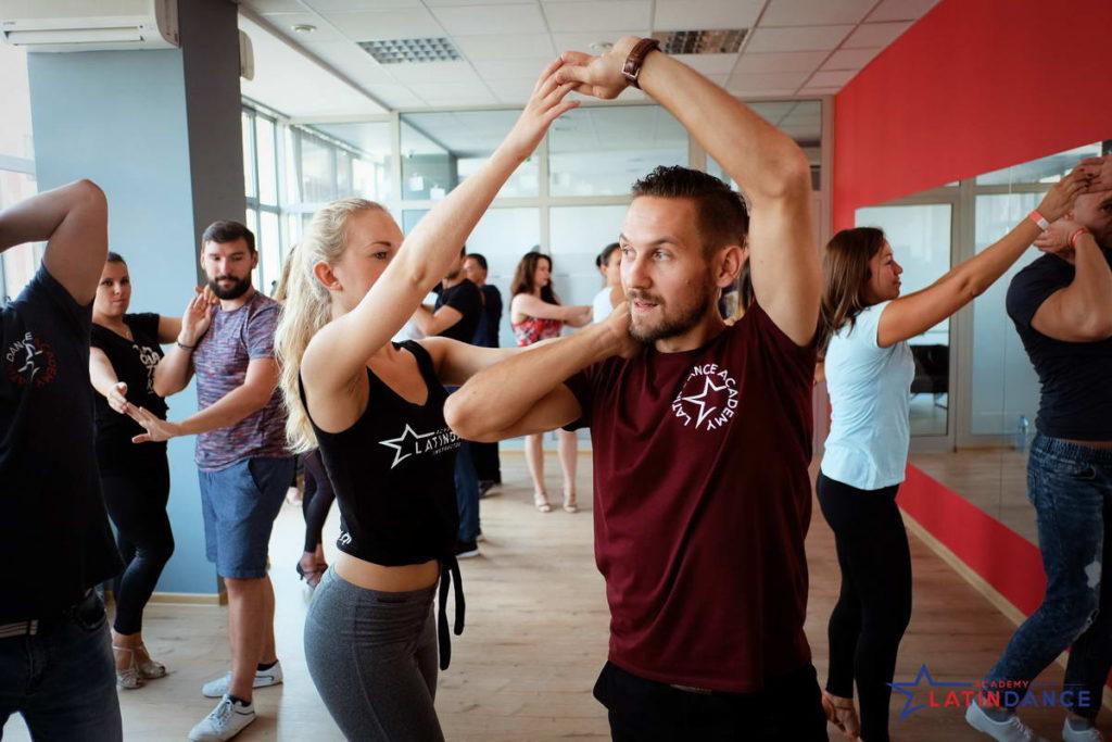 Najnowsze Sylwestrowa Nauka Tańca - Taniec Użytkowy w Łodzi YN11